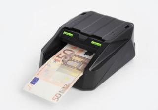 Actualizar detectores de billetes falsos